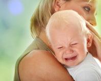 Почему плачет грудной ребенок и как его успокоить