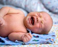 Кишечные колики у новорожденных – помощь и предупреждение