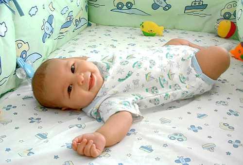 Почему грудной ребенок не спит днем