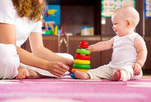 игры дня ребенка в 6 месяцев