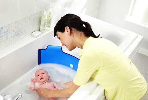 Первое купание младенца