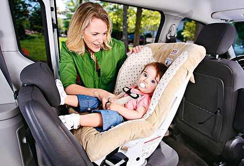 перевозить в автомобиле грудных детей