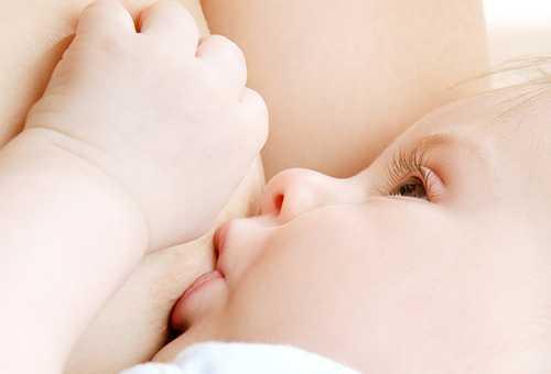 Правила для удобного прикладывания новорожденного к груди