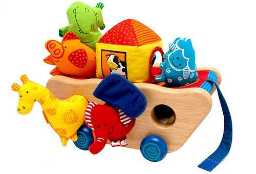Краткий обзор, во что могут играть дети от рождения до 12 месяцев