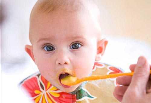 Пищеварительная система малыша и требования к его питанию