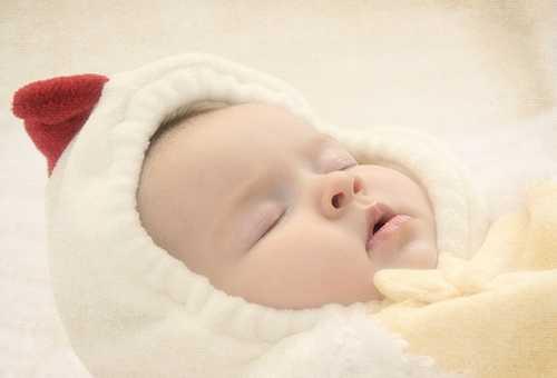 Ребенок в теплой одежде
