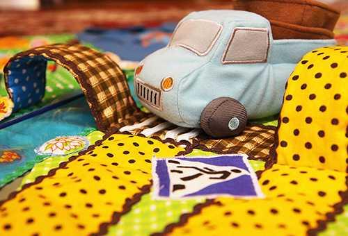 Как выбрать развивающие коврики для детей?