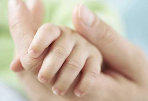 Как часто стричь ногти новорожденному?