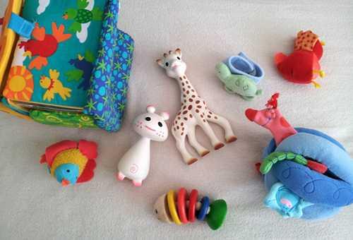 Игрушки для младенца