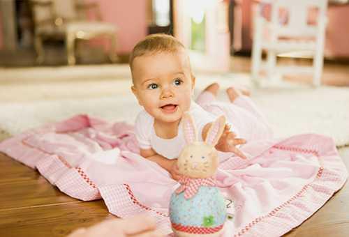 Что должен уметь малыш в 5 месяцев