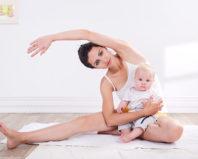 Легкая разминка мамы с малышом