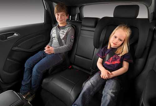 Варианты конструкции автомобильного бустера для детей