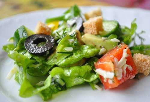 Витаминный салат для кормящей мамы