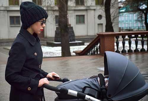 Прогулка с младенцем в холодную погоду