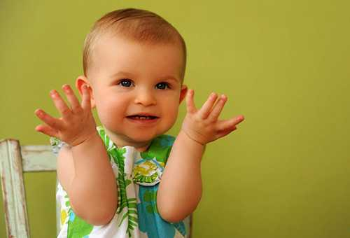Ребенок после первой стрижки