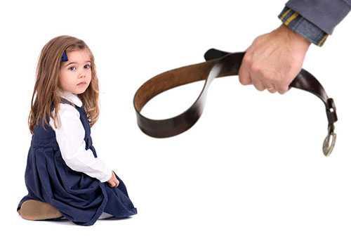Девочке угрожают ремнем