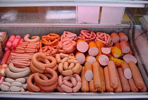 Ассортимент колбасных изделий