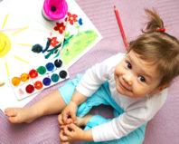 Девочка и ее рисунок