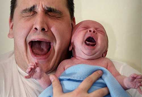 Картинки по запросу новорожденный плачет у папы