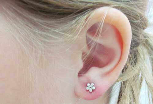 Небольшое воспаление после прокола ушей