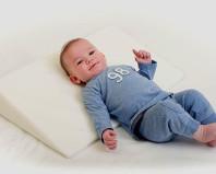 Специальная подушка для новорожденных