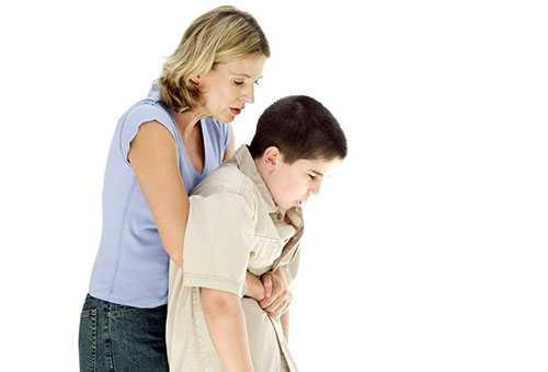 Помощь ребенку, который подавился