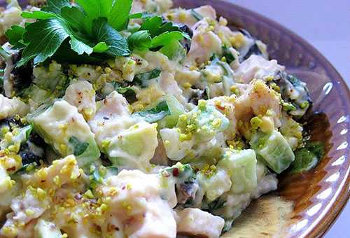 Летний салат с огурцами для детей