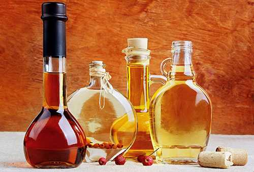Уксус в разных бутылочках