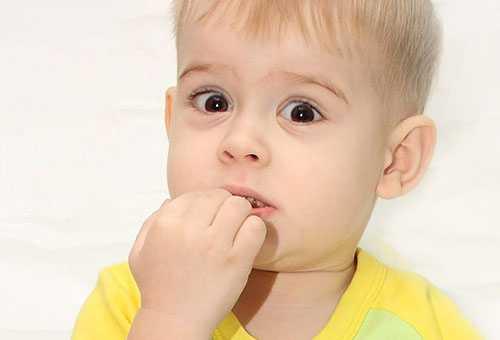 Ребенок проглотил жевательную резинку