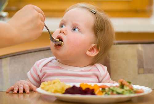Кормление ребенка овощами