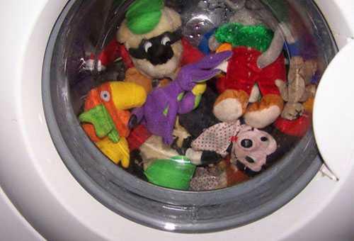 Стирка детских игрушек в машинке