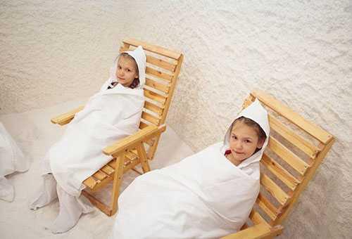 Дети в солевой комнате