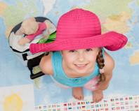 Девочка собралась за границу