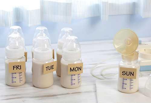 Бутылочки с грудным молоком