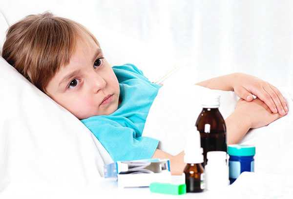 Девочка и лекарства