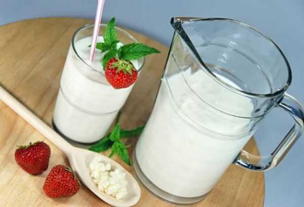 Натуральный йогурт с клубникой