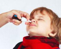 Применение спрея от насморка для ребенка